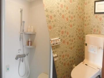 各部屋のトイレと<br />シャワー室